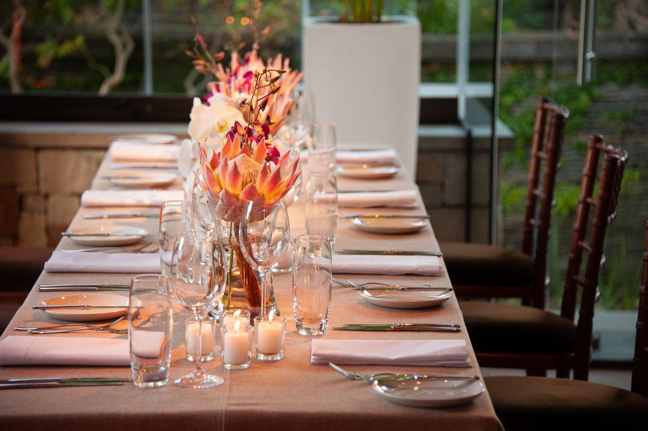 tips for hosting a brunch